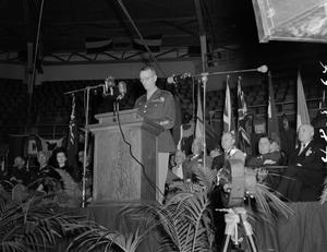 [General Wainwright at a podium]