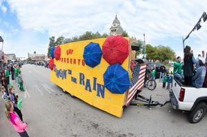 Primary view of object titled '[UNT Homecoming parade float 3]'.