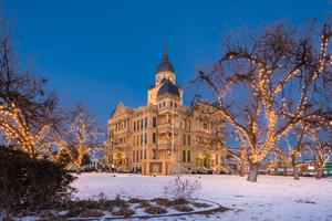 Primary view of object titled '[Denton Courthouse during 2013 Ice Storm]'.