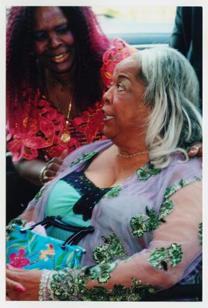 Primary view of object titled '[Della Reese on Red Carpet]'.