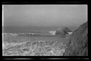 Primary view of object titled '[Photo of a seascape]'.