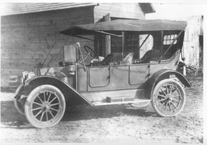 Primary view of object titled '[1913 Buick]'.