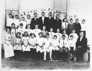 Primary view of object titled '[Fifth grade class at Rosenberg School]'.