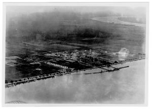 [Aerial view of the Pan American Refinery in Texas City in 1947]