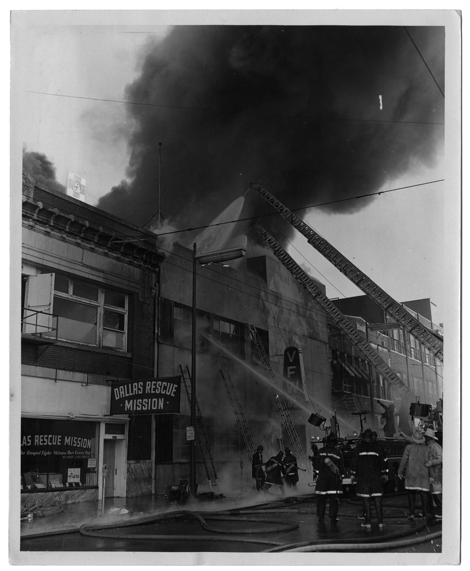 [Fire on Commerce Street]                                                                                                      [Sequence #]: 1 of 2