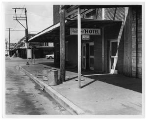 Primary view of object titled '[Prestonwood Hotel on Pearl Street]'.