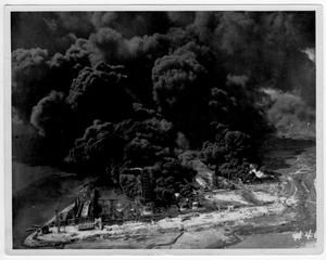 [Aerial view of the burning Monsanto plant after the 1947 Texas City Disaster]