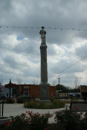 Primary view of object titled '[Monument to Confederate Soldiers]'.