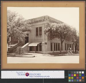 Primary view of object titled '[Photograph of Gainesville Library]'.