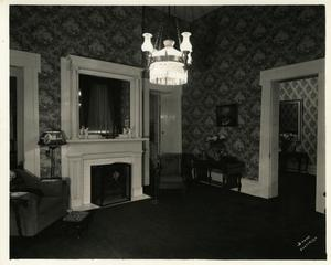 Primary view of object titled '[Governor's Mansion Library]'.