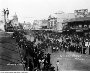 Primary view of object titled 'Armistice Parade up Congress to Capitol'.
