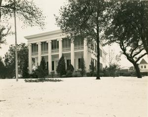 [Governor's Mansion with snow]