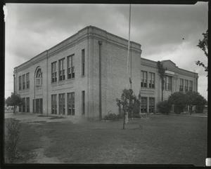 Primary view of object titled '[Metz Elementary School]'.