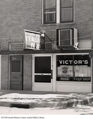 Primary view of object titled '[Victor's Italian Village Restaurant]'.