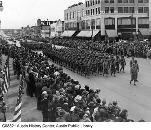 Primary view of object titled '[Armistice Parade on Congress Avenue]'.