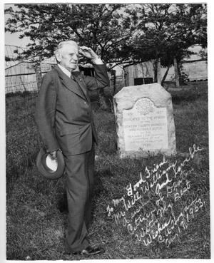 Primary view of object titled 'C. U. Hogan at a Pioneer Memorial'.