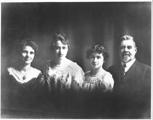Primary view of object titled '[Carl Hilmar Guenther, Jr. family]'.