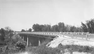 Primary view of object titled '[Construction on U.S. Highway 81]'.