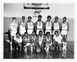 Primary view of object titled '1970-1971 St. Philip's College Basketball Team'.