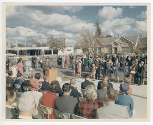 Primary view of object titled '[Dedication Ceremony at the Killeen City Library, view from the Library]'.