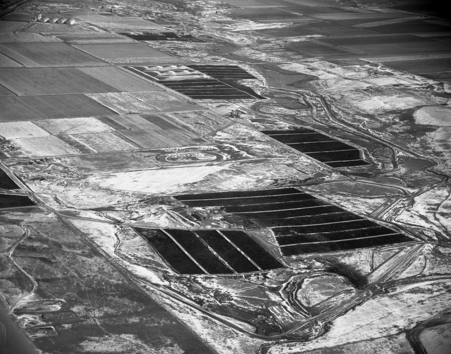 [Aerial Photograph of Feed Yards in Winter]                                                                                                      [Sequence #]: 1 of 1