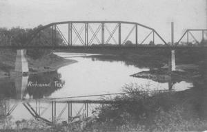 Primary view of object titled '[Brazos River bridge in Richmond, Texas]'.