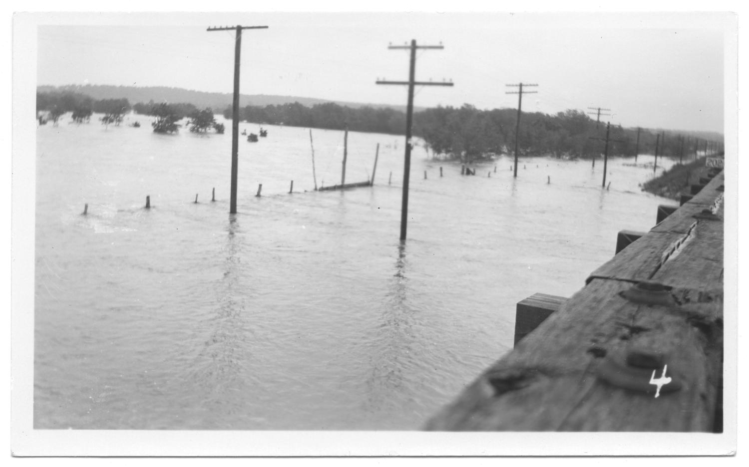 [Trinity River Flood]                                                                                                      [Sequence #]: 1 of 2
