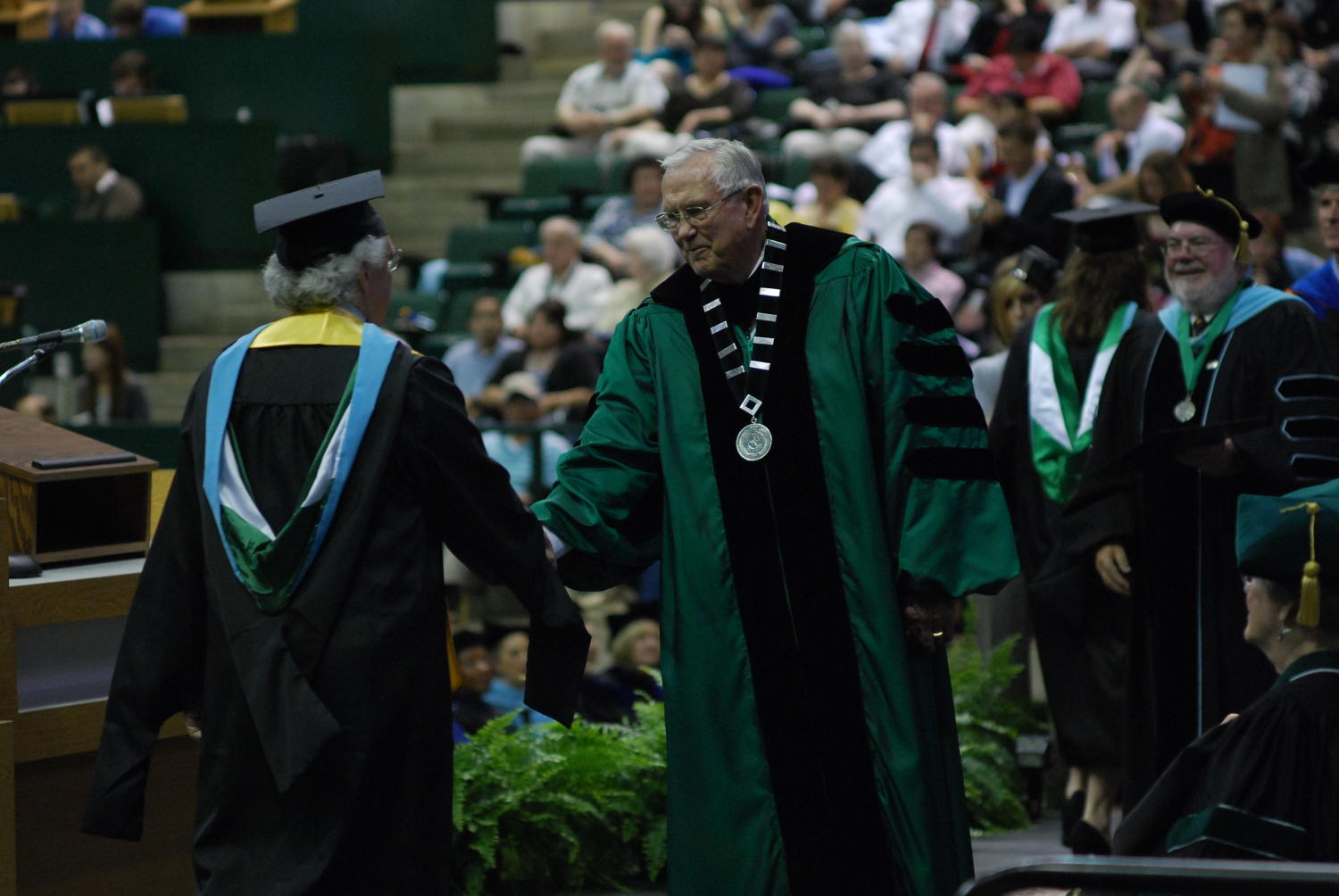 Old Fashioned Unt Cap And Gown Gallery - Wedding and flowers ...