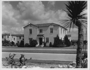 Primary view of object titled 'Officers' Quarters (Randolph AFB)'.