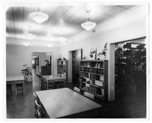 Primary view of object titled '[Denton City/County Public Library, reading room]'.