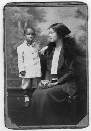 Primary view of object titled '[Portrait of an Unidentified Mother with a Child]'.