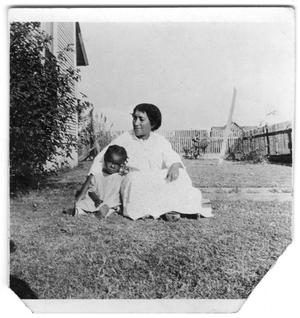 Primary view of object titled '[Susie Whitlock Moten with E. D. Moten, Jr.]'.