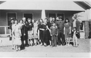 Primary view of object titled 'Large Group of Family Members'.