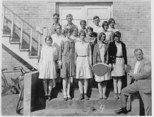 Primary view of object titled 'Paschal High School Graduating Class 1925'.