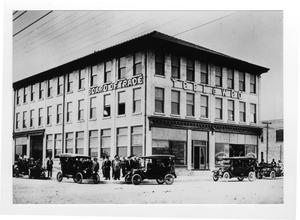 Primary view of object titled '[Board of Trade Building in early Texas City]'.