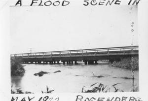 "[""A flood scene in May 1922. Rosenberg.""]"