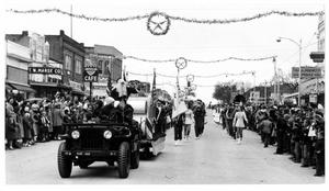 Primary view of object titled 'Christmas Parade on Main Street'.