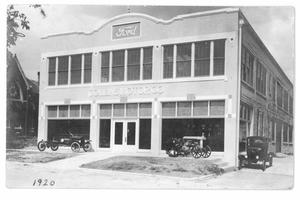 Primary view of object titled 'Collins Motor Company'.