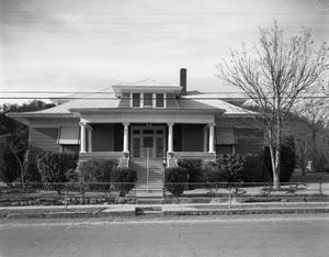 [A House at 1004 SW 10th Street]