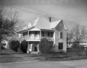 Primary view of object titled '[A Building at the 500 Block of SW 4th Avenue]'.