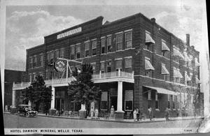 Primary view of object titled 'Hotel  Damron, Mineral Wells, Texas'.