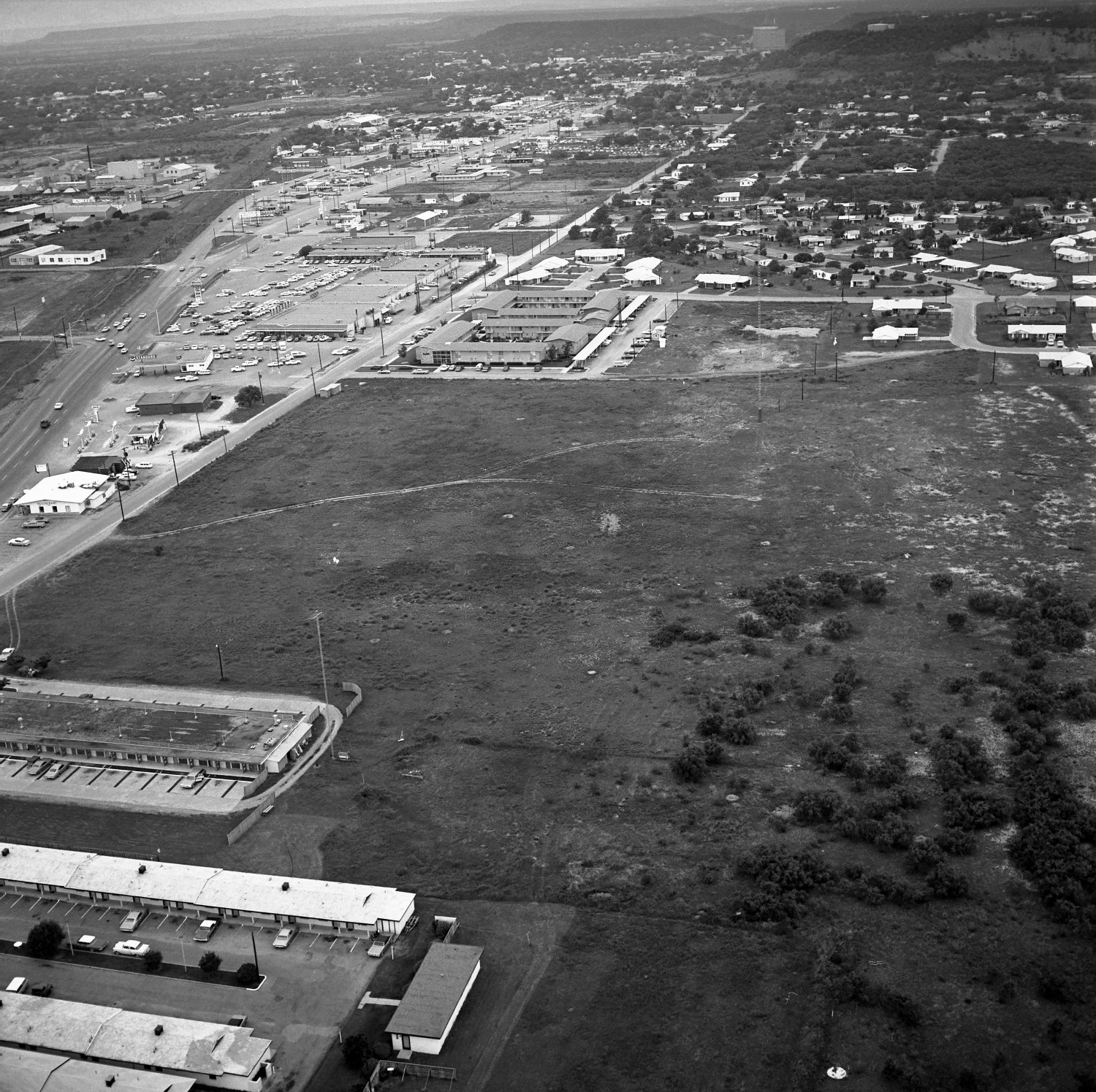 [An Aerial View of Mineral Wells From the East-northeast 1967]                                                                                                      [Sequence #]: 1 of 1