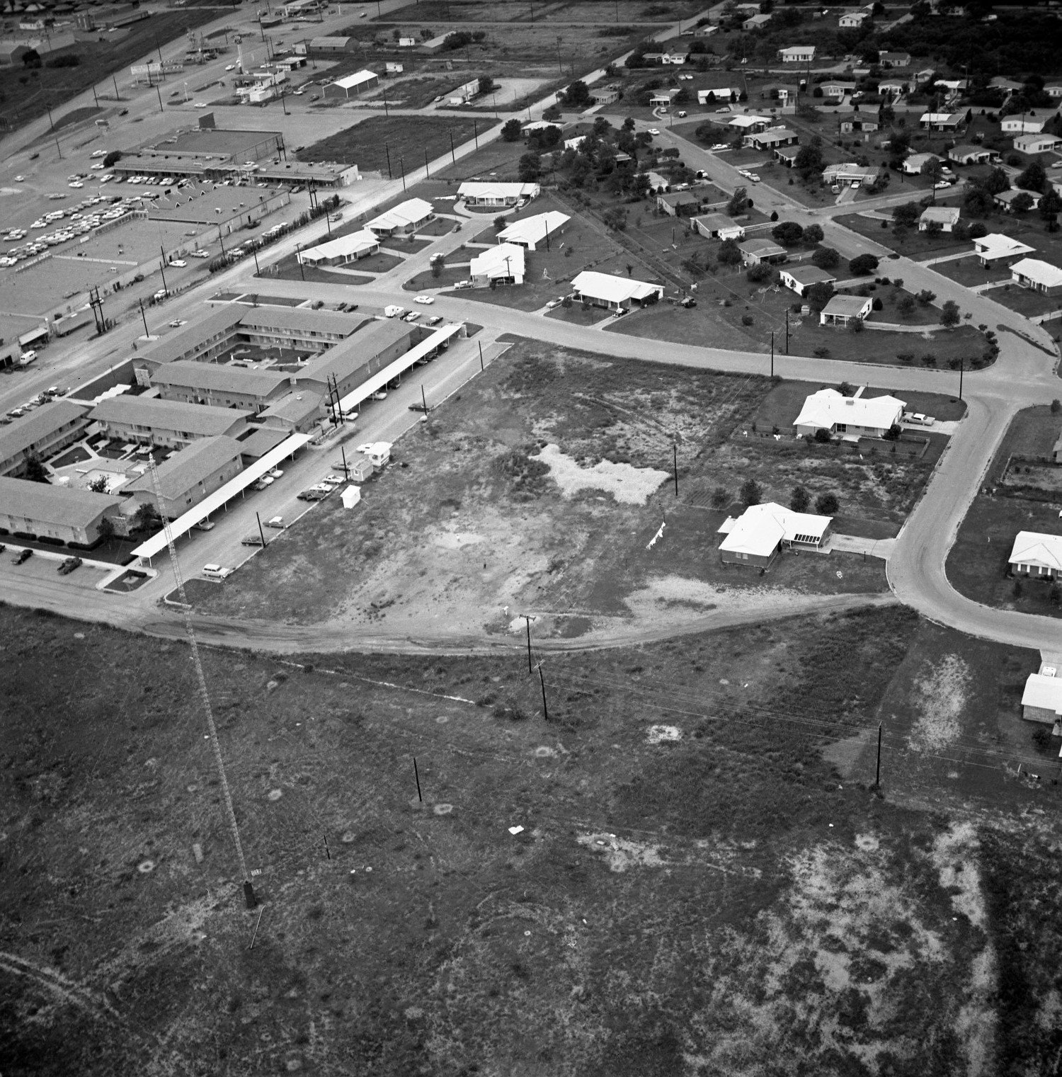 [An Aerial View of Mineral Wells From the East-northeast, 1967]                                                                                                      [Sequence #]: 1 of 1