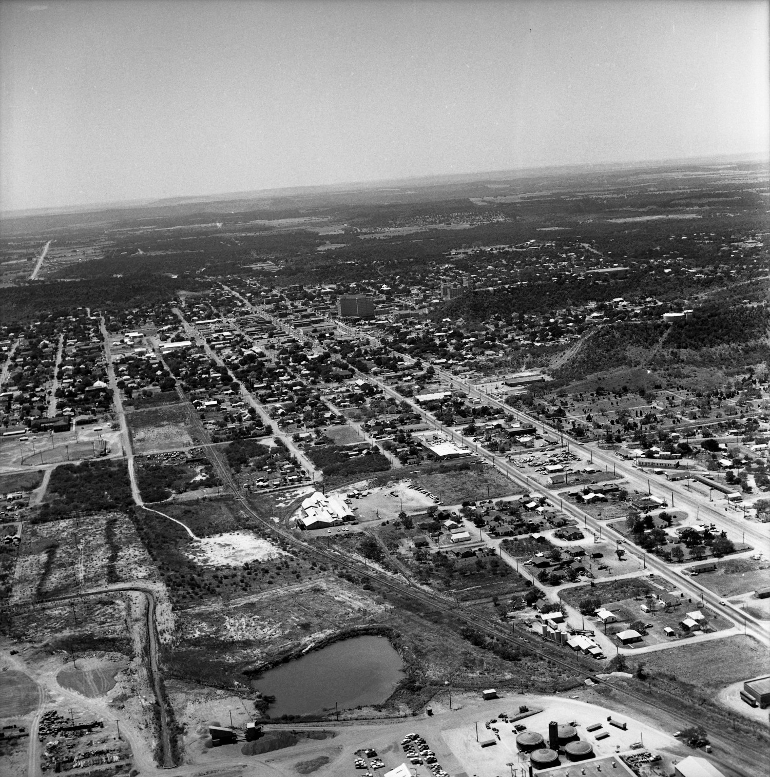[An Aerial View of Mineral Wells From the South-Southeast, 1967]                                                                                                      [Sequence #]: 1 of 1