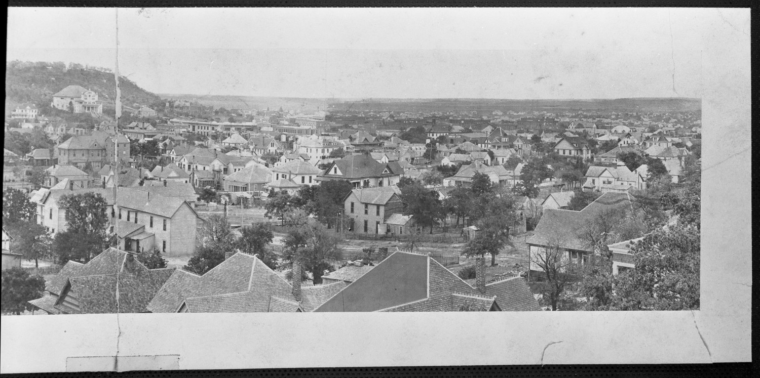 [An Aerial View of Mineral Wells (2 of 2)]                                                                                                      [Sequence #]: 1 of 1