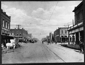 Primary view of object titled 'Oak Street,  Looking North'.