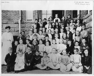 Primary view of object titled 'West Side School -- Second Grade 1907'.