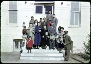 [Photograph of Group in Front of Iglesia Presbiteriana Mexicana]