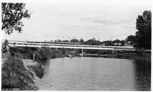 Primary view of object titled '[South San Gabriel River Detour on U.S. Highway 81]'.