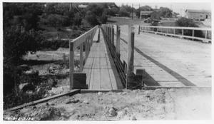 Primary view of object titled '[North San Gabriel River Detour on U.S. Highway 81]'.